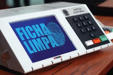FICHA LIMPA: STF mantém aplicação a políticos condenados antes de 2010 por abuso de poder