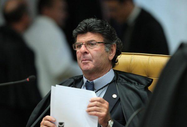 TSE será inflexível com candidatos ficha-suja nas eleições, diz Fux
