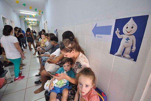 Vacinação contra poliomielite e sarampo segue até 31 de agosto
