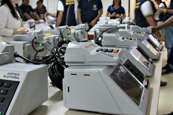 TRE começa a inserir informações nas urnas eletrônicas para eleições 2018
