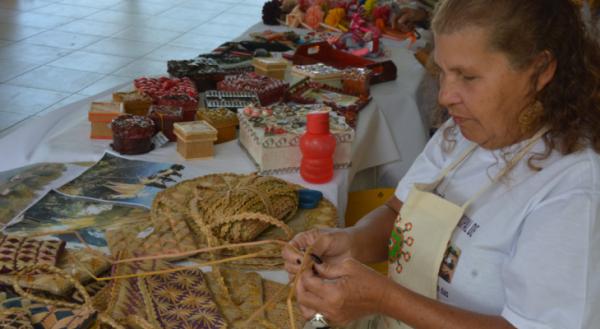 Semas realiza seminário de orientação e qualificação para artesãos
