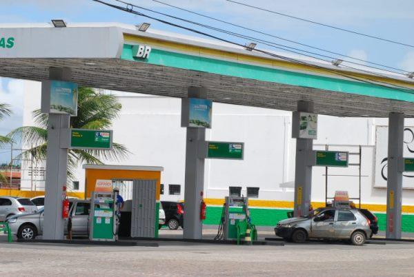 Queda na venda de combustíveis nos postos pode chegar a 6% este ano