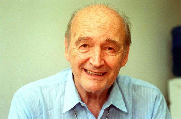 """Morre aos 88 anos o Padre Quevedo, conheicido pelo bordão """"isso non ecziste"""""""
