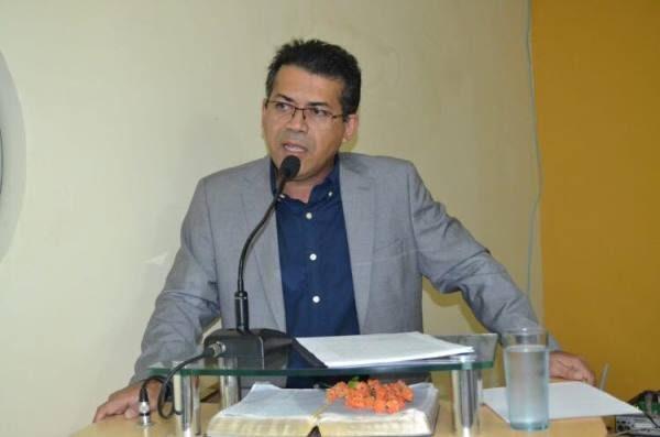 LAGOA NOVA: Prefeito Luciano Santos faz leitura anual na Câmara de Vereadores.