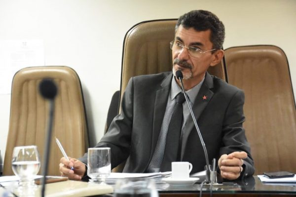"""Francisco do PT comemora aprovação da """"Escola Democratica"""" na Comissão de Educação"""