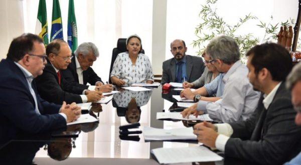 Fátima se reúne com bancada federal e cobra repasse de R$ 220 milhões para a Saúde no RN