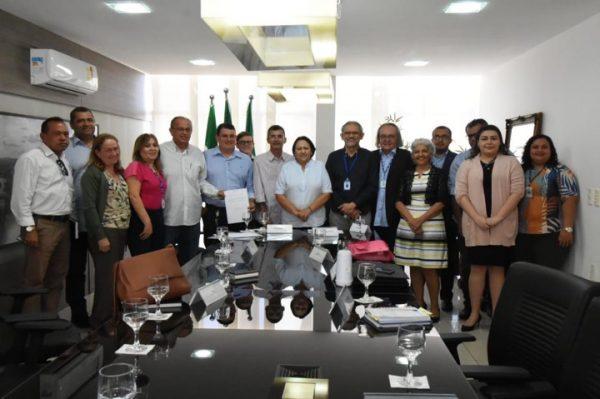 Solicitado por Francisco do PT, a governadora Fátima realiza audiência sobre esgotamento de Parelhas