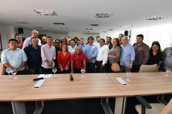 Luta de Francisco do PT, adutora Pendências-Macau será entregue em 2020, garante Fátima Bezerra