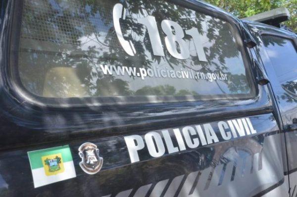 Polícia prende três suspeitos de matarem mulher após roubo de um aparelho de TV