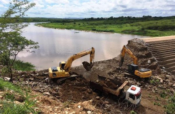 Mesmo em obras, Barragem Passagem das Traíras já acumulou mais de 2m de coluna d'água