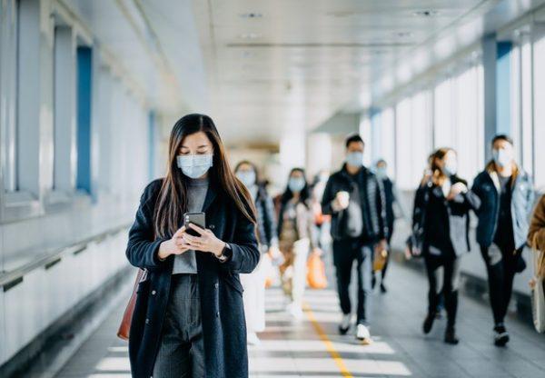 Usar máscara pode reduzir em até 40% as taxas de crescimento de casos de Covid-19, diz estudo